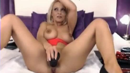 Blonde romanian milf squirt on cam